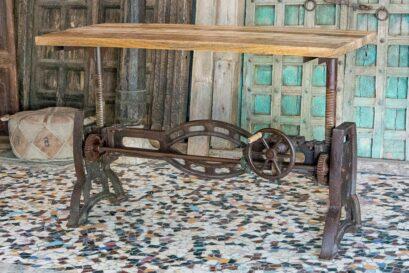 Industrialny stół żeliwny z podnoszonym blatem - Orange Tree meble indyjskie