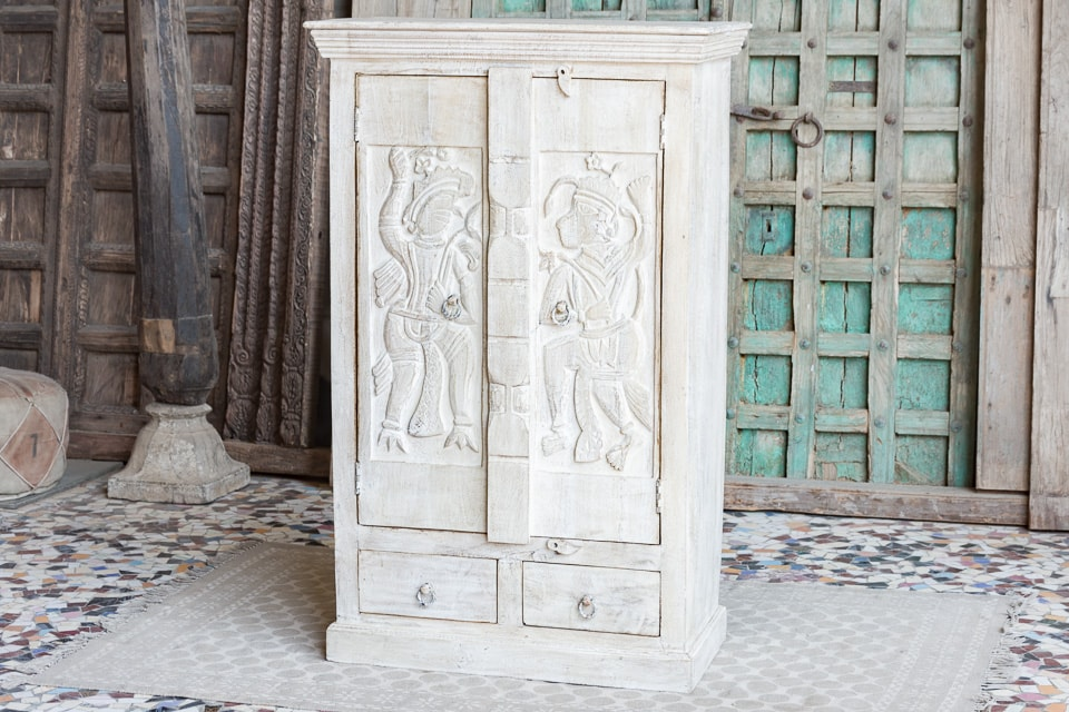 Bielona szafa z rzeźbionymi drzwiami - drewno mango - meble indyjskie