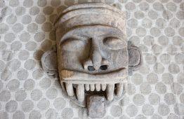 Stara unikalna maska z drewna z dżungli - Orange Tree meble indyjskie