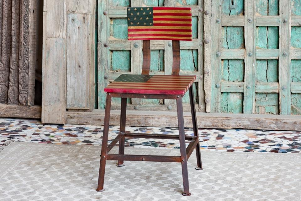 Loftowe krzesło z flagą amerykańską - meble indyjskie Orange Tree