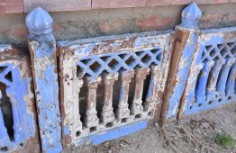 stary rzeźbiony kamień - Orange Tree meble indyjskie