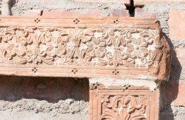 rzeźbiony stary kamień - Orange Tree meble indyjskie