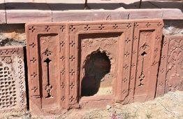 Rzeźbiony kamień czerwony piaskowiec Pokhran - Orange Tree meble indyjskie