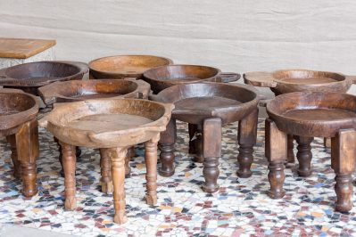rustykalny stolik z miską - Orange Tree meble indyjskie