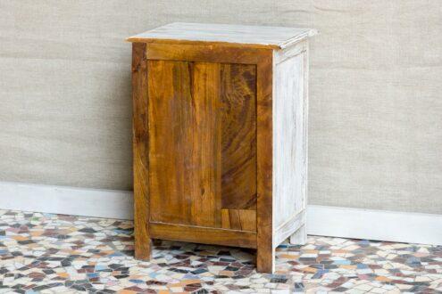 Bielona szafka nocna z mandalą - Orange Tree meble indyjskie