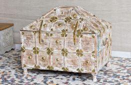 Kufer w kształcie piramidy - Orange Tree meble indyjskie