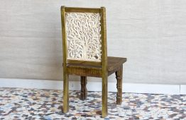 Krzesło z rzeźbionym oparciem - Orange Tree meble indyjskie