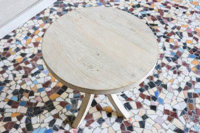 Okrągły bielony stolik - Orange Tree meble indyjskie