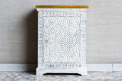 Duża bielona szafka nocna z kwiatami - Orange Tree meble indyjskie