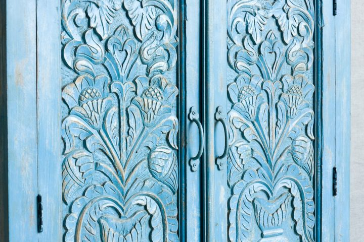 Błękitna szafa z kwiatami - Orange Tree meble indyjskie