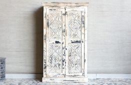 Bielona szafa z rzeźbionymi szufladami - Orange Tree meble indyjskie