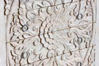 Bielona bieliźniarka z mandalą - Orange Tree meble indyjskie