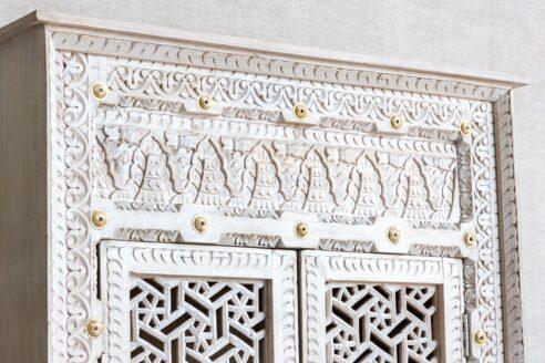 Szafa z mosiądzem bogato rzeźbiona - Orange Tree meble indyjskie