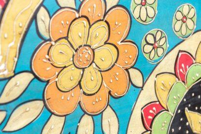 Kolorowa przeszklona witryna - Orange Tree meble indyjskie