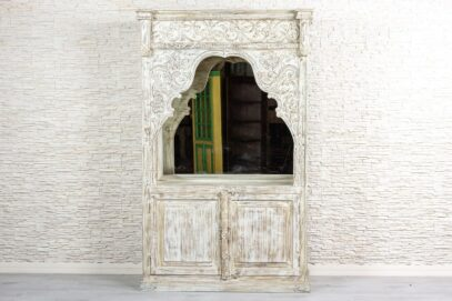 Duża bielona witryna z lustrem - Orange Tree meble indyjskie