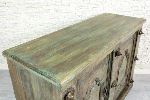 Zielona komoda ze starymi drzwiczkami - Orange Tree meble indyjskie