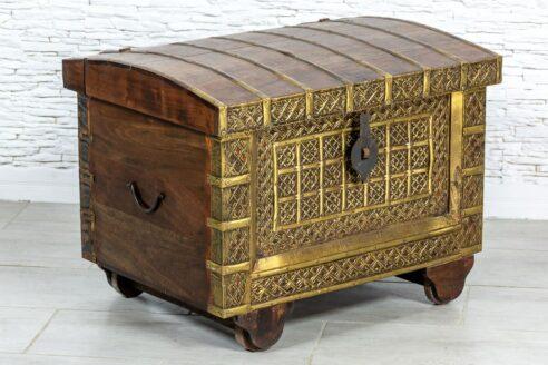 Kufer okuty mosiądzem - Orange Tree meble indyjskie
