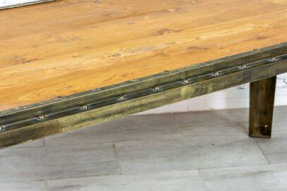 Industrialny stół jadalny - Orange Tree meble indyjskie