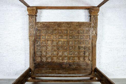 Królewskie łoże z baldachimem - Orange Tree meble indyjskie