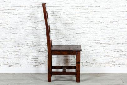Klasyczne brązowe krzesło - Orange Tree meble indyjskie