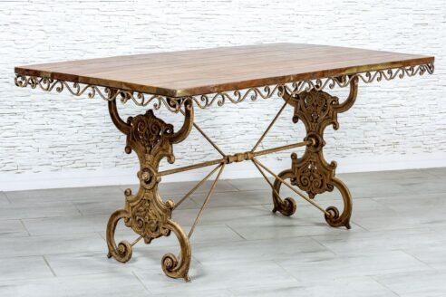 Żeliwny stół z drewnianym blatem - Orange Tree meble indyjskie