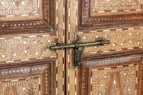 Tekowe drzwi zdobione kością - Orange Tree meble indyjskie