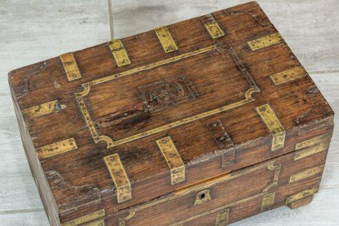 stary kuferek tekowy 5