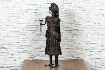 Figurka Hinduski z pochodnią 5