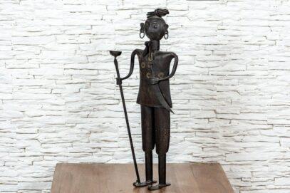Figurka Hindusa z pochodnią – metaloplastyka 5