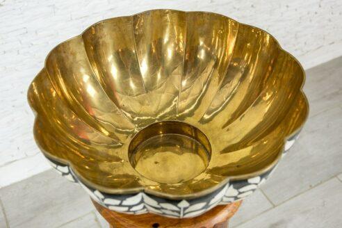 Mosiężna misa zdobiona kością 2
