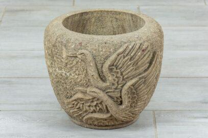 Kamienna donica ptakami 1