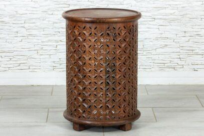 Okrągły ażurowy stolik 1
