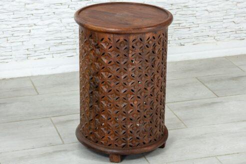 Okrągły ażurowy stolik 2