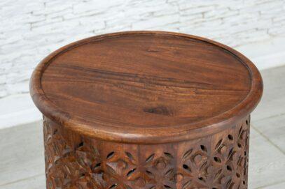 Okrągły ażurowy stolik 3