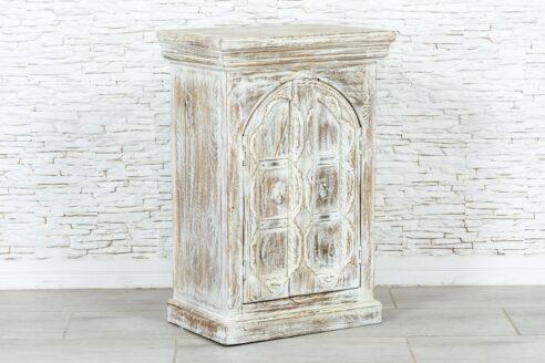 Bielona szafka z łukiem 3