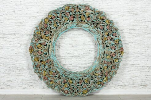 Duża ażurowa rama z kwiatkami 1
