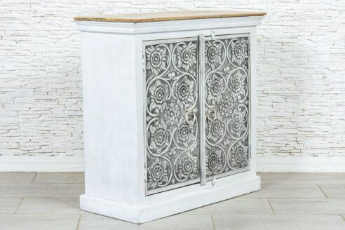 Dwudrzwiowa szafka z rzeźbionymi kwiatkami 4