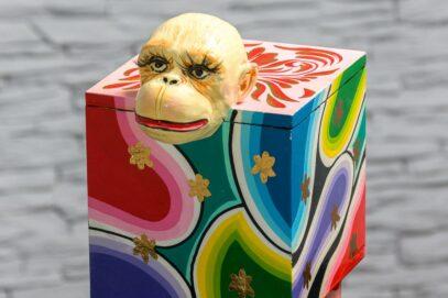 Kuferek z małpką 8