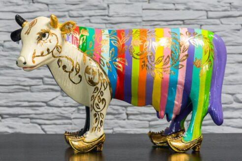 Krowa w tęczowe paski 1