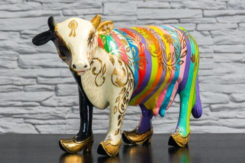 Krowa w tęczowe paski 2