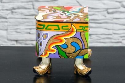 Kuferek w złotych butach 5