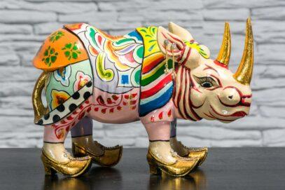 Nosorożec w złotych butach 1