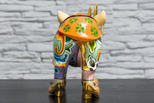 Nosorożec w złotych butach 5