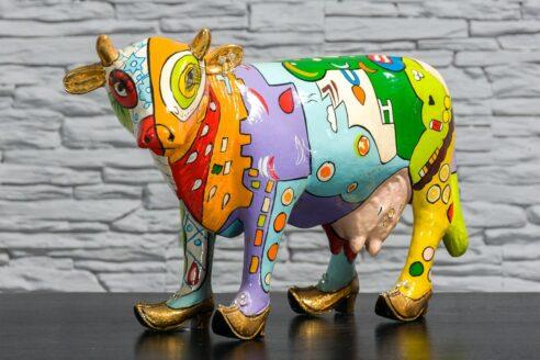 Kolorowa krowa z łąkami 2