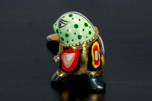 Złota foczka z naszyjnikiem 4