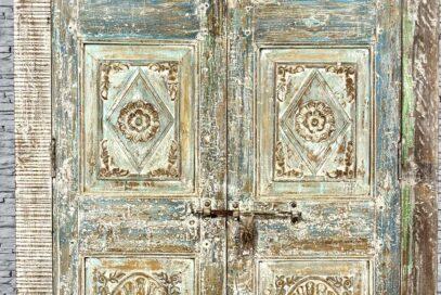 Duża szafa ze starych elementów 6