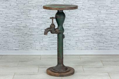 Industrialny stolik z kranem 1