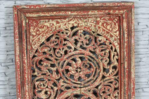 Biało-czerwony panel rzeźbiony ażurowo 2