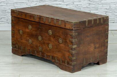 Stary kufer tekowy z wieloma skrytkami 3
