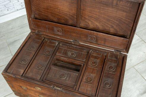 Stary kufer tekowy z wieloma skrytkami 6